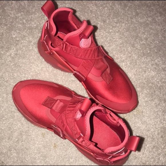online retailer d5f9c 49f19 Red Nike Huarache City GS